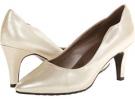 Soft Style Rosalyn Size 9.5