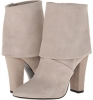 Classic Cream Vince Camuto Amya for Women (Size 5)