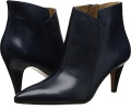 Navy Leather Nine West JetLag for Women (Size 7)